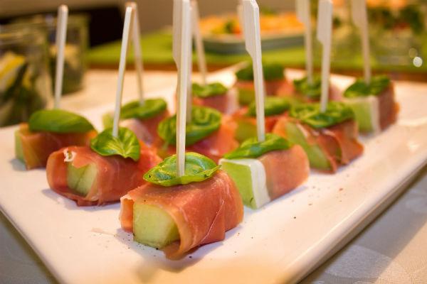 Meloen met ham hapjes